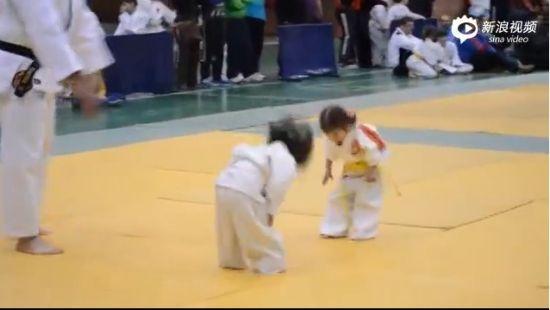 萌cry!两个小萝莉的柔道比赛