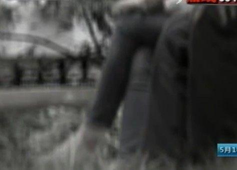 男子扮军官称执行任务受伤 诱女学生献身